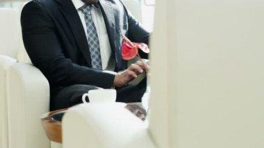 Arabic businessman using digital tablet — Stock Video