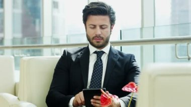 Businessman using digital tablet — Stock Video