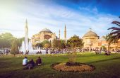 Hagia Sophia and people around — Foto de Stock