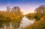 Autumn trees reflection in river — Stock Photo