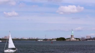 The Statue of Liberty, a colossal neoclassical sculpture on Liberty Island in middle New York Harbor, Manhattan. — Stock Video