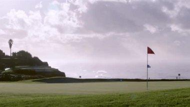 Algarve golf course scenery seascape, Portugal. — Stockvideo