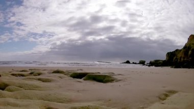 Algarve - západním atlantickém pobřeží St. Eulalia Beach seascape timelapse — Stock video