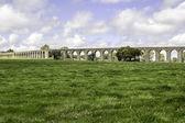 Agua de Prata Aqueduct (Aqueduct of Silver Water) in Evora, Port — Stock Photo