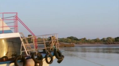 Boat traveling in Tavira Island background, to Quatro-Aguas port, Ria Formosa Natural Reserve. Algarve — Stock Video