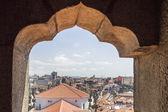 Torretta di Bell della Chiesa Clerigos (Torre dos Clerigos), un famoso punto panoramico destinazione di Porto — Foto Stock