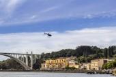 Bateau d'excursion panoramique Fom Rio Douro, Porto Cityscape, sur une journée d'été — Photo