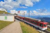 Train leaving the station on the top of Mt. Rigi — Stock Photo