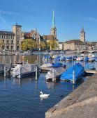 Zurich, vista sobre el río limmat — Foto de Stock
