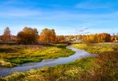 Beautiful autumn landscape, forest and river — Stock Photo