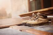 Old worker boots — Stock Photo