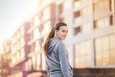 Corredor feminino na rua — Fotografia Stock