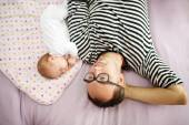 Father with his newborn baby daughter — Stock Photo