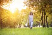 Woman enjoying her time outside in park — Stock Photo