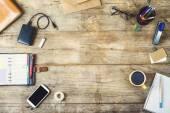 Mistura de material de escritório e gadgets — Fotografia Stock