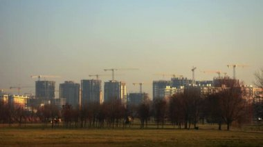 Construction of multi-storey buildings. A large number of construction cranes. Time Lapse — Video Stock