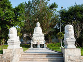 The statue of buddha with Lions Linh Ung Pagoda, Da Nang, Vietnam — Stock Photo