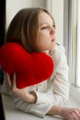 Beautiful girl is sad, sadness due the guy, keep heart — Stock Photo