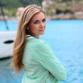 Young adult lady enjoying summer travel — Stock Photo