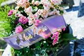 Funeral flowers for condolences — Stock Photo