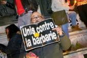 PARIS - France on 08 January 2015 : Peaceful protest in Place de la Republique — Foto de Stock