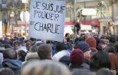 PARIS - France on 08 January 2015 : Peaceful protest in Place de la Republique — Stockfoto