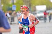 PARIS, FRANCE - APRIL  06 : man isolated at Paris International Marathon on April 06, 2014 in Paris, France — Стоковое фото