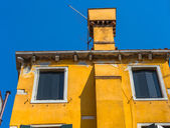 Krásné benátské windows typické benátské domu, Itálie — Stock fotografie