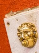 Lion shaped doorbell in Venice, Veneto,  Italy — Stock Photo