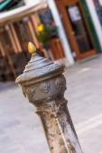 Traditional drinking water fountain in Venice, Italy — Stock Photo
