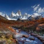 Mount fitz roy, nationalparken los glaciares, patagonia — Stockfoto #73457901
