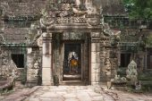 Stone murals and sculptures in Angkor wat, Cambodia — Stock Photo