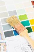 Catálogo de muestra de color de pintura con pincel y dibujo — Foto de Stock