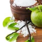 Aromatherapy - green apple, bath salt and vanilla beans — Stock Photo #53412097