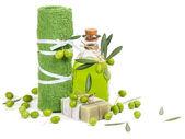 Accessori Spa e olive verdi — Foto Stock
