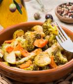 Baked mixed vegetables  (brussels sprouts, carrots, broccoli) — Stock Photo