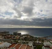 Los Gigantes coast in beginning of cloudy sunset, Tenerife, Cana — Stock Photo