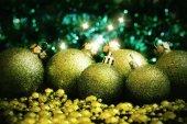Grüner christmas ball — Stockfoto
