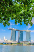 SINGAPORE-JUNE 24: The Marina Bay Sands Resort Hotel in Singapor — Fotografia Stock