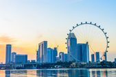 SINGAPORE - JUNE 23: At a height of 165m, Singapore Flyer is the — Stockfoto
