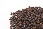 Black pepper isolated on white background — Stock Photo