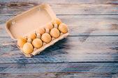 Ovos de galinha em caixa — Foto Stock