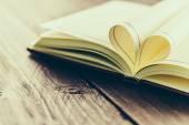 Open Heart book — Stock Photo