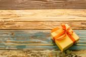 Pudełko na drewniane tła — Zdjęcie stockowe