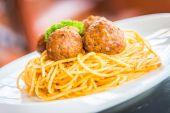 Delicious spaghetti and meatballs — Stock Photo