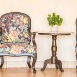 Vintage empty chair — Stock Photo #70962441