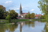 Ulm Minster and Danube River — Stock Photo