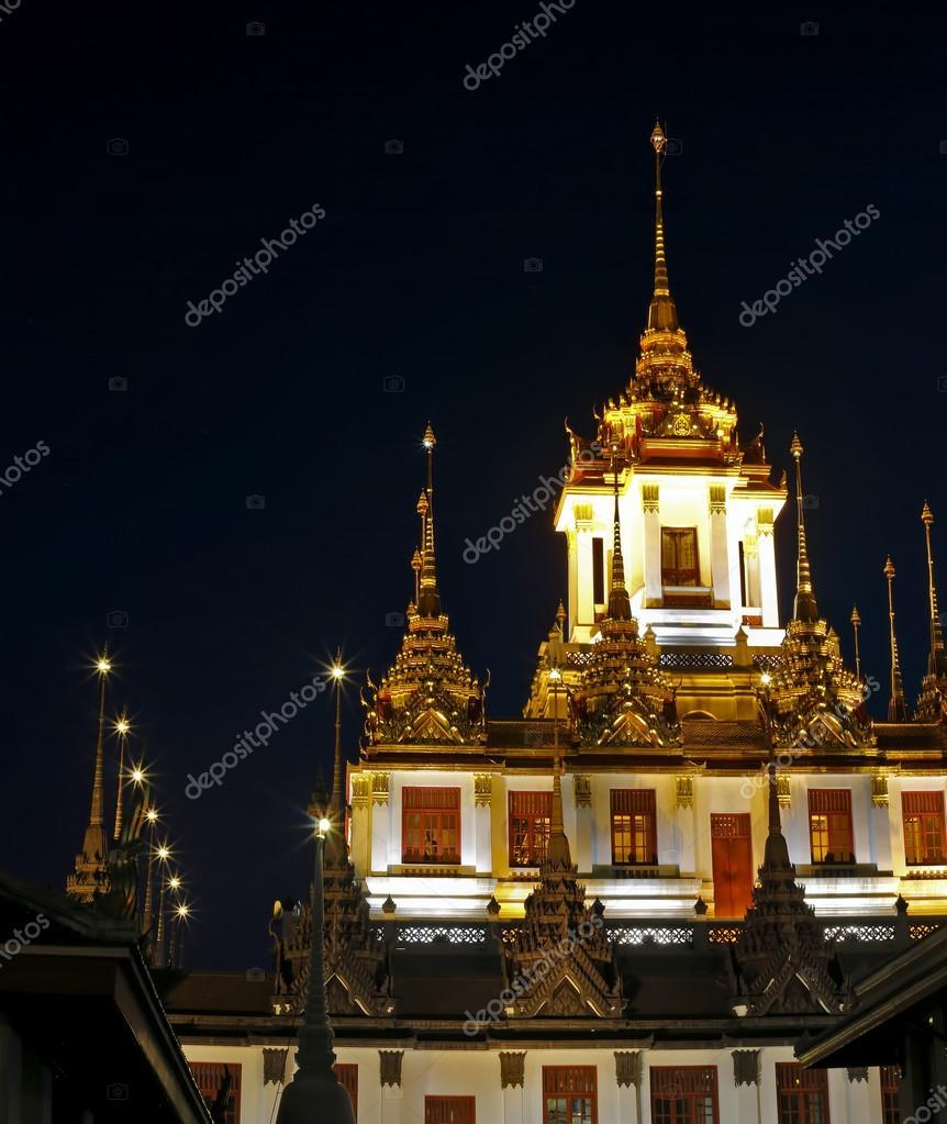 Wat Ratchanatdaram tempio Bangkok, Thailandia — Foto Stock ...