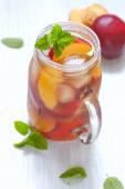 Peach ice tea — Stock Photo