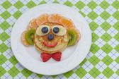 Çocuklar öğle yemeği için komik sandviç — Stok fotoğraf